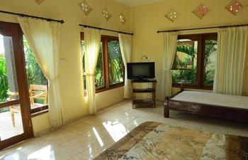 Anugerah Villas Bali - Standard Room with Garden View #WIDIH - Pegipegi Promotion