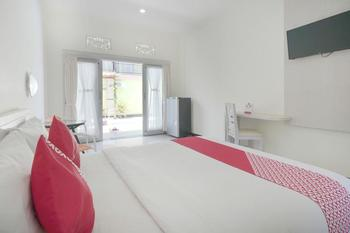 OYO 474 Tirai Bambu Jimbaran Bali - Deluxe Double Room Regular Plan