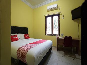 OYO 2486 Bahana Guest House Manado - Standard Double Room Regular Plan