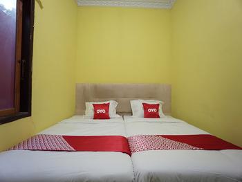 OYO 2486 Bahana Guest House Manado - Standard Twin Room Regular Plan
