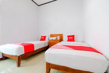 OYO 1929 Senggigi Hill View Homestay Syariah Lombok - Standard Twin Room Regular Plan