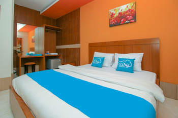 Airy Syariah Sleman Wahid Hasyim 60 Yogyakarta - Deluxe Double Room Only Special Promo 50