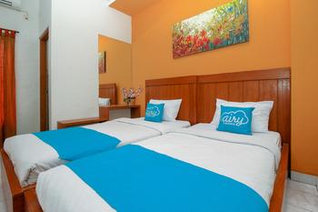 Airy Syariah Sleman Wahid Hasyim 60 Yogyakarta - Superior Twin Room Only Special Promo 11