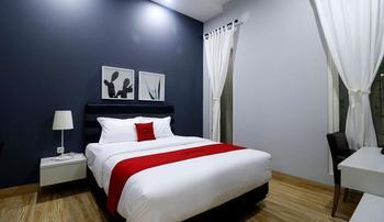 RedDoorz Premium near RS Pondok Indah La Maison Jakarta - RedDoorz Room last minute