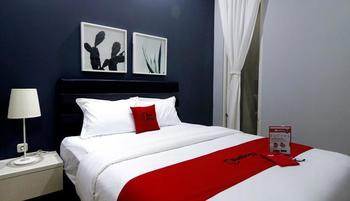 RedDoorz Premium near RS Pondok Indah