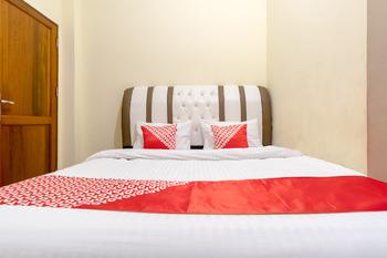 OYO 1243 9-haan Homestay Medan - Standard Double Room Regular Plan