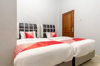 OYO 1243 9-haan Homestay Medan - Standard Twin Room Regular Plan