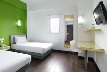 Amaris Hotel Palembang - Smart Room Twin Staycation Offer Regular Plan