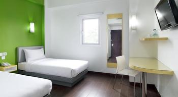 Amaris Hotel Palembang - Smart Room Twin Ramadhan Promo Regular Plan