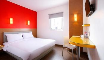 Amaris Hotel Palembang - Smart Room Queen Staycation Offer  Regular Plan