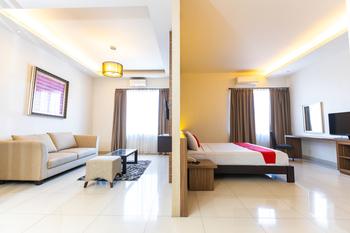 RedDoorz Plus @ Celebes Indah Hotel Makassar - RedDoorz Suite Room Basic Deal