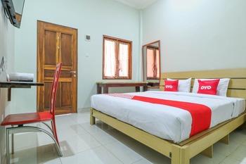 OYO 1670 Likko Inn Bali - Deluxe Double Room Promotion