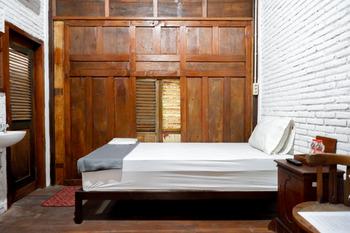 Upala Java Huise Yogyakarta - Executive Suite Room 2 Bed KETUPAT