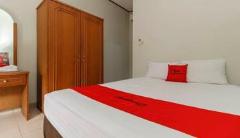 RedDoorz @Karet Pedurenan 3 Jakarta - RedDoorz Premium with Breakfast Basic Deal