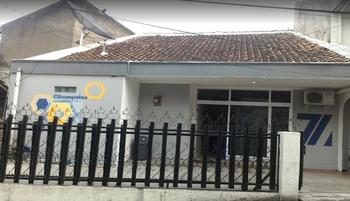 3 Bedrooms House Cihampelas Homestay