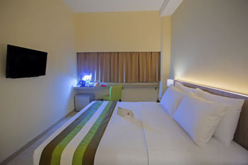 Grand Whiz Megamas Manado Manado - Superior Room Breakfast Regular Plan