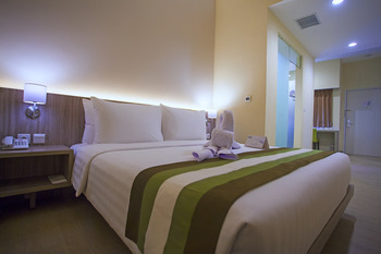 Grand Whiz Megamas Manado Manado - Deluxe Room Only Best Deal