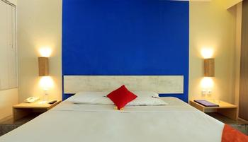 RedDoorz near Kuta Square Bali - Reddoorz Room Basic Deal
