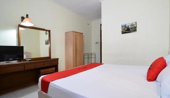 RedDoorz Plus @ Laweyan Solo - RedDoorz Room Regular Plan