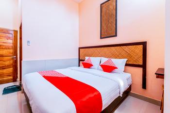 OYO 1229 Dc Hotel Pramuka Near RS St Carolus Jakarta - Standard Double Room Regular Plan