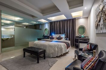 Collection O 14 Sun Boutique Hotel Bali - Suite Double Regular Plan