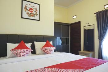 OYO 895 Mahameru Residence Yogyakarta - Deluxe Double Room Regular Plan