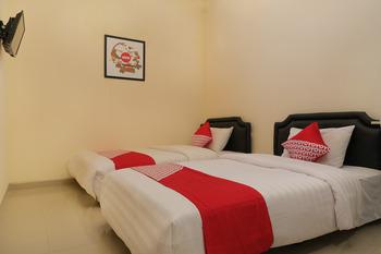 OYO 895 Mahameru Residence Yogyakarta - Standard Twin Room Regular Plan