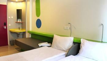 Pop Hotel Kuta - POP! Room - With Breakfast Regular Plan