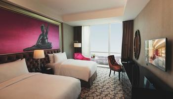 Hotel Ciputra World Surabaya - Superior Deluxe with Breakfast Regular Plan