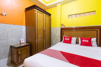 OYO 3727 Homestay Gayatri Sawojajar Malang - Saver Double Room Regular Plan