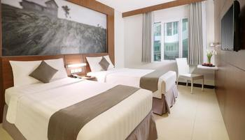 Neo Palma Palangkaraya - Standard Room with Breakfast Regular Plan
