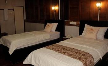 Guest House Legenda Semarang - Luxury Room Regular Plan