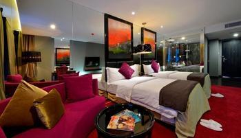 Amaroossa Cosmo Jakarta - Deluxe Room With Breakfast Regular Plan