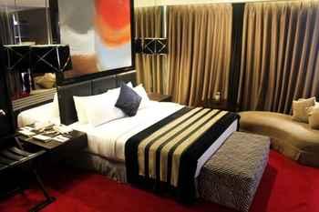 Amaroossa Cosmo Jakarta - Suite Room With Breakfast Regular Plan