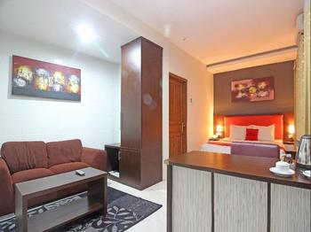 RedDoorz Plus near Keraton Solo Solo - Suite Room BASIC DEAL