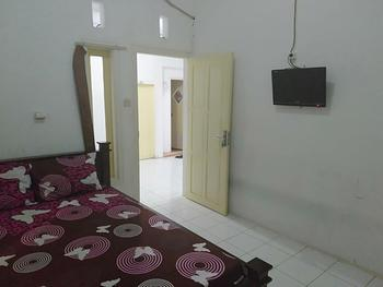Homestay Ana 2 Banyuwangi - Standard Room with AC Room Only FC Stay More Pay Less