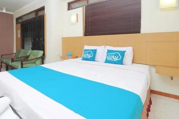 Airy Kaliwates Gajah Mada 233 Jember - Deluxe Double Room with Breakfast Special Promo Dec 45