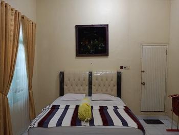 OYO 3254 Hotel Melissa Bungo - Deluxe Double Room Regular Plan