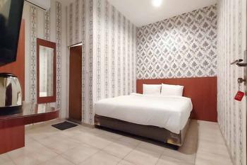 RedDoorz Plus@ Jalan Letda Sujono Medan 2 Medan - RedDoorz Suite Room Basic Deal