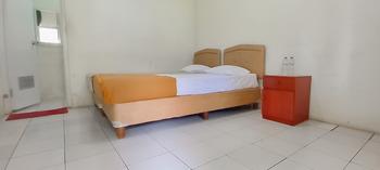 HOTEL SRI INDRAWATI Puncak - Deluxe Room Last Minute