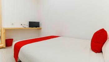 RedDoorz Plus @ Kapuk Business Park Jakarta - RedDoorz Room Regular Plan