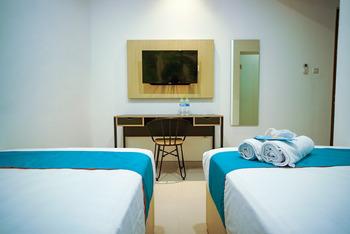 Sans Hotel Box Mansion Surabaya Surabaya - Superior Twin Room Best Deal