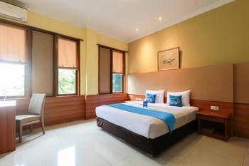 Airy Riau Progo 6 Bandung - Deluxe Double Room Only Special Promo 50