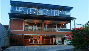 Celia Hotel