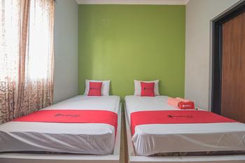 RedDoorz Syariah near Krida Nusantara Bandung - RedDoorz Twin Room 2 Night Stay 15%