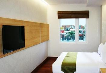 Citihub Hotel at Arjuna Surabaya - Deluxe King Room Only Regular Plan