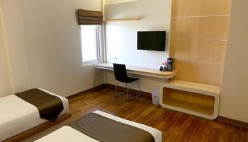 Citihub Hotel at Arjuna Surabaya - Deluxe Twin Room Only Regular Plan