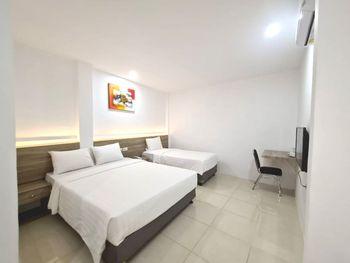 Homestay Pondok Minang Padang - Family Room Only Regular Plan