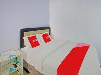 OYO 90402 Lescinda Residence Banyuwangi - Standard Double Room Promotion