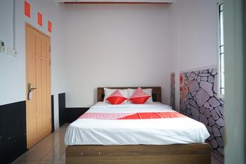 OYO 901 Abdi Praja Residence Balikpapan - Standard Double Room Regular Plan
